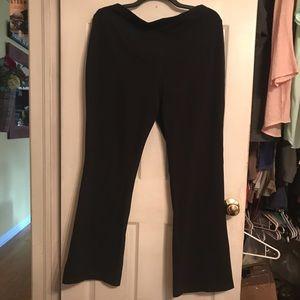 NWOT, Women's Slim Fit Yoga Style Pant. 2X Long